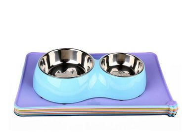 China Folding Pet Food Tray Mat , Multicolor Non Slip Silicone Durable Cat Dinner Mat distributor